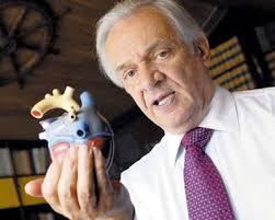 Del corazón de las ballenas al corazón humano. Dr. Jorge Reynolds Pombo.  Biografías cortas de científicos colombianos para niños