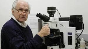 Manuel Elkin Patarroyo, el científico que más se ha acercado en la creación de la vacuna sintética contra la malaria